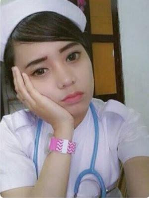 Video Bokep Ngentot Memek Tembem Jembut Lebat Perawat Super Cantik Dan Montok Hot Horny