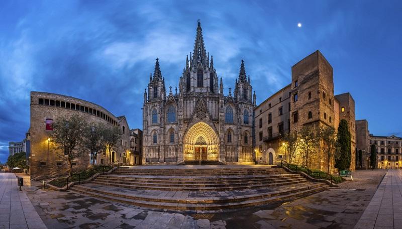 Catedral de barcelona dicas de barcelona e espanha for Catedral de barcelona interior
