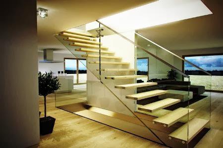 10 modelos y tipos de escaleras para interiores for Medios banos debajo de escaleras