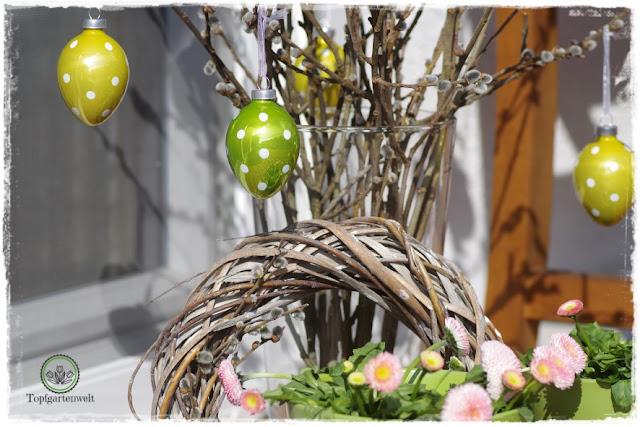 Gartenblog Topfgartenwelt natürliche moderne Osterdeko für den Garten: Blumen Bellis Hornveilchen