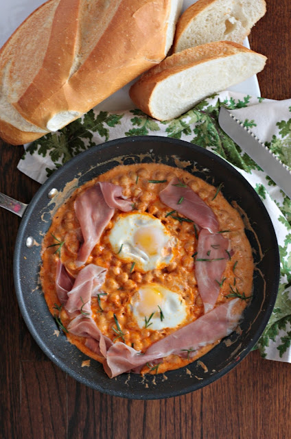 chickpeas with eggs and prosciutto