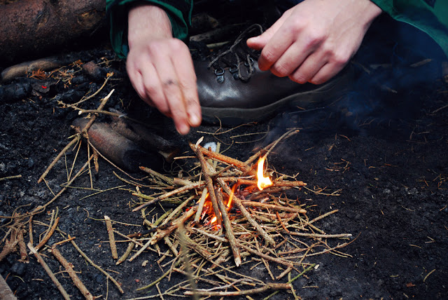 Branching Out Aberdeen - ecotherapy - lighting campfire