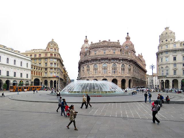 Piazza De Ferrari, Genoa