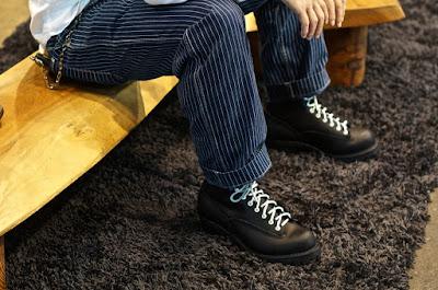 ブラックレザーを使ったジョブマスター。アイレットや靴紐にはウエスコジャパン限定カラーのホワイトを選択。
