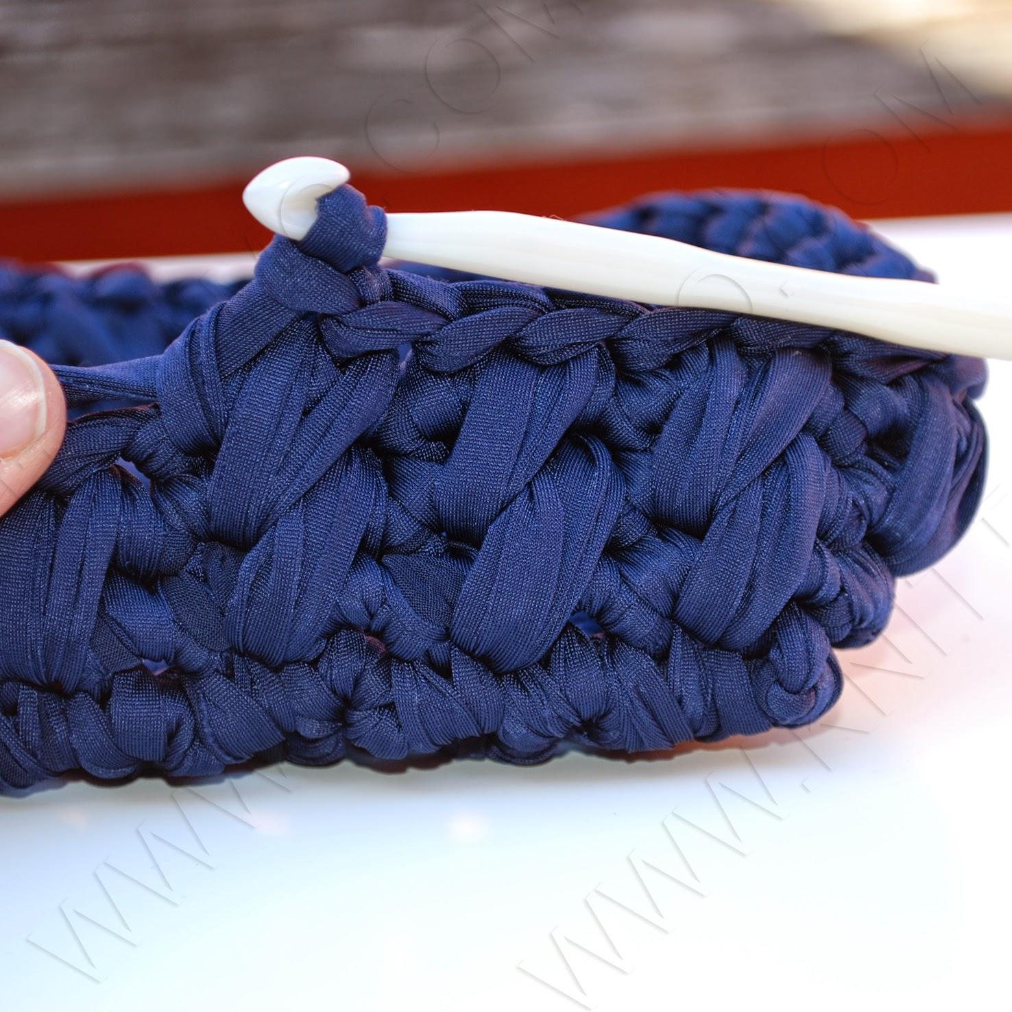 Knittiamo Con Martina E Roberta Borsa Di Fettuccia In Variante Blue