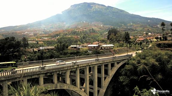 Gunung Sumbing From Sigandul