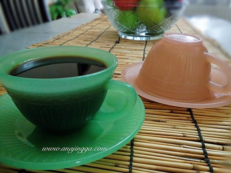 Cawan kopi lama