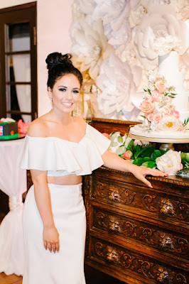 bride change into second dress of the night