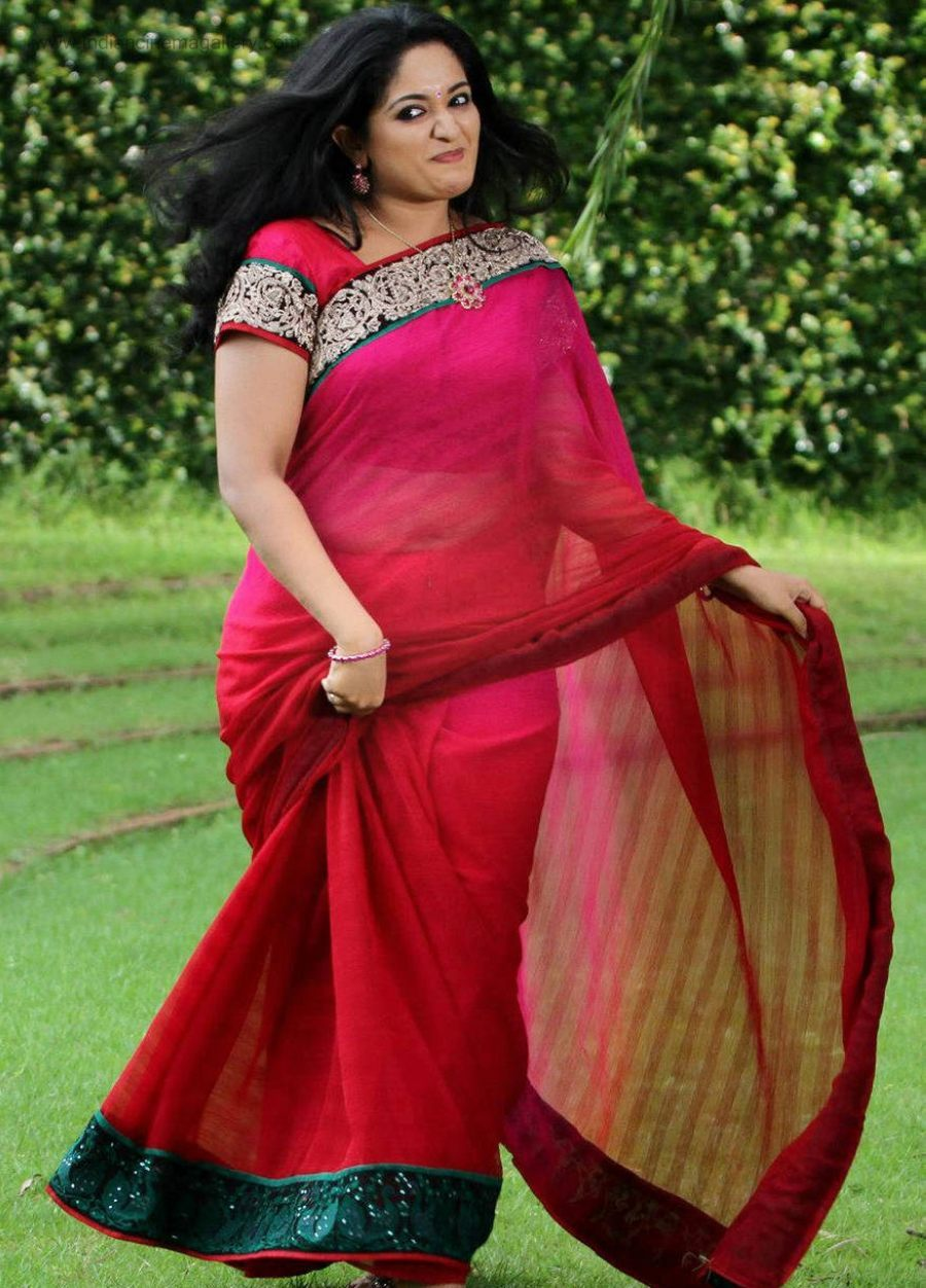 Malayalam Actress Hot Navel Show In Transparent Saree