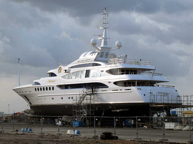 Superyacht Bistango out of water, IMO 9558593, Benetti shipyard, Livorno