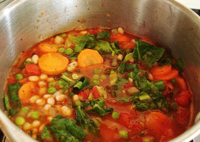 Simmering Minestrone Soup