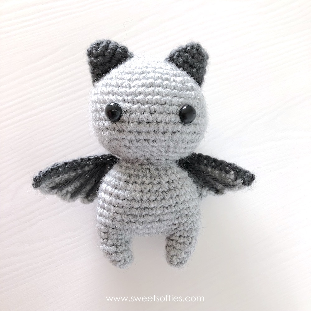 Curious Cat Free Crochet Pattern - Knit And Crochet Daily   1000x1000
