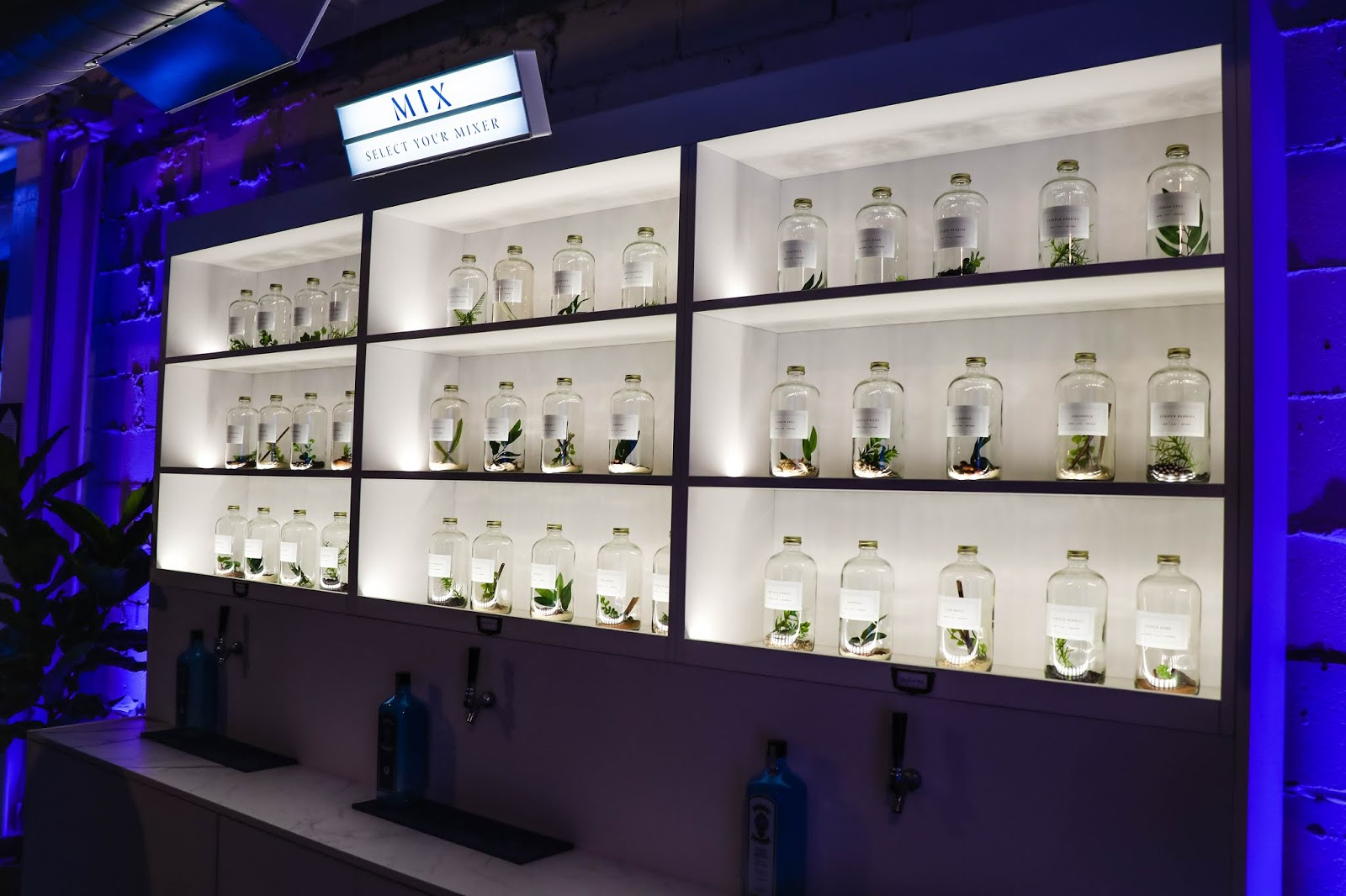 bombay sapphire canvas bar toronto pop-up mixer