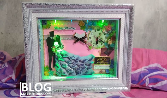 Hiasan Mahar Pernikahan yang Terbuat Dari Uang Kertas Mainan - Blog Mas Hendra