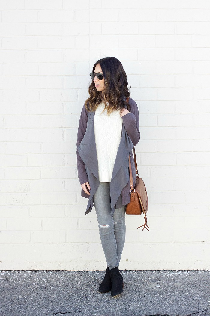 neutral weekend outfit