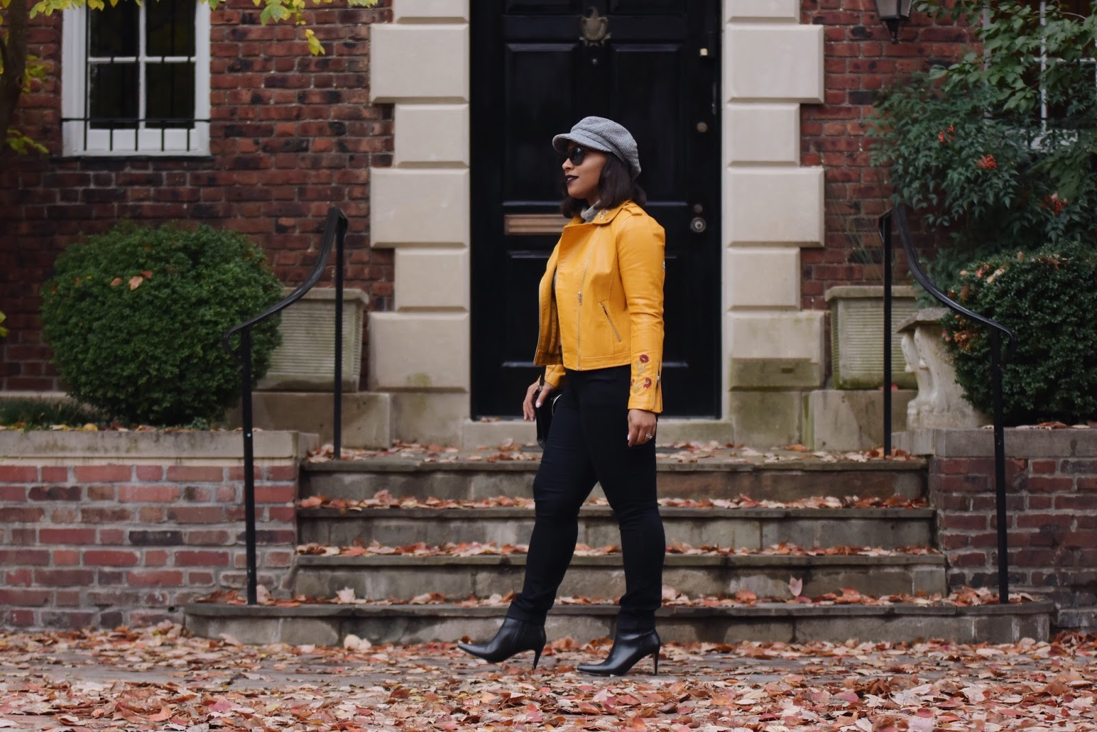 moto jacket, embriodrey jacket, yellow jacket, zaful, fall outfits, latina bloggers, dc bloggers, dominican bloggers, holiday outfits, faux moto jacket, newsboy hat, fall trends
