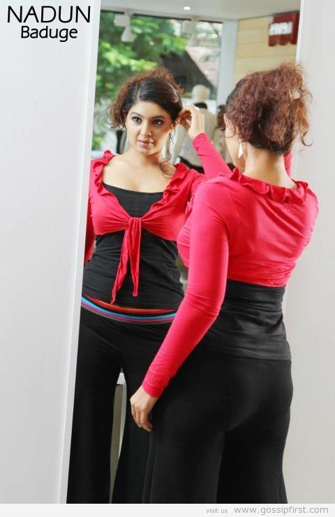 photos open hot anuradha dulani leg big
