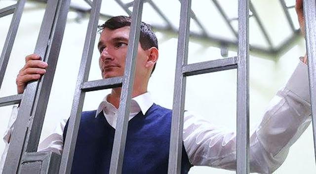 Bloguero ruso crítico con el Gobierno y es condenado a seis años de cárcel