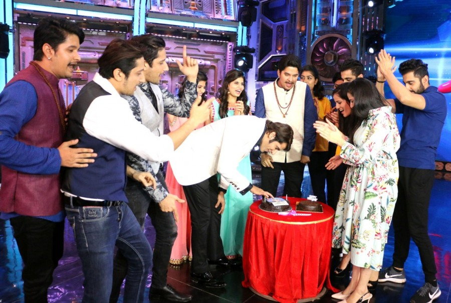 Karanvir Bohra Birthday Celebration Pictures from The Sets of India's Best Judwaah