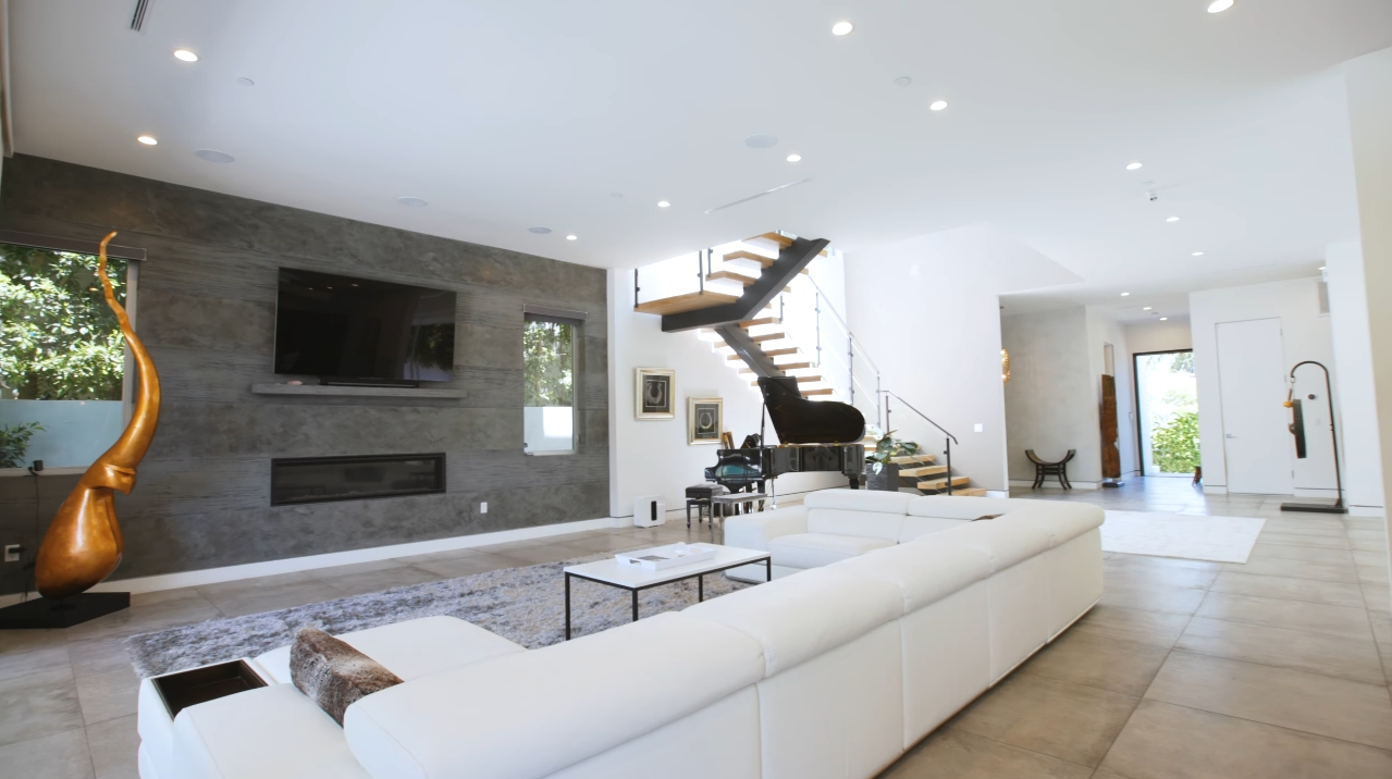 29 Photos vs. 833 N. Gardner St, Los Angeles vs. Luxury Home Interior Design Tour