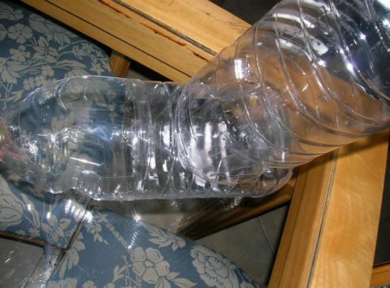 Фидер для животных из пластиковых бутылок своими руками