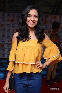 Ritu Varma Stills at Devi Sri Prasad Live Music and Dance Premiere Show