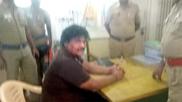 Tamil actor Mansoor Ali Khan held, taken to Salem He was then taken to Omalur government, Chennai, News, Politics, Arrest, Actor, Controversy, Jail, Police, Strike, National, Cinema