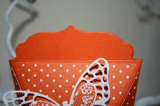 Papiere aus der Graft: Selbstschlieende Box