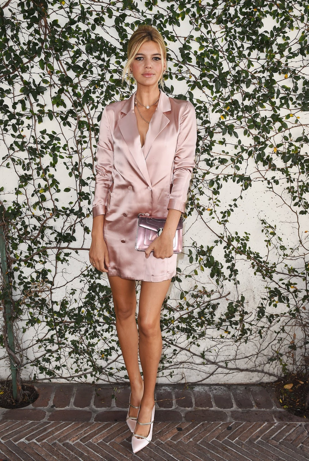 Kelly Rohrbach Posint at Lynn Hirschberg Celebrates W Magazine