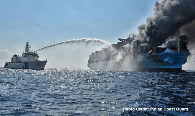 Kapal Maersk Honam Terbakar di Laut India, 4 Orang Kru Kapal Hilang on