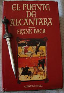 Portada del libro El puente de Alcántara, de Frank Baer