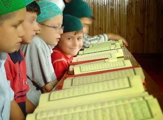 5 Adab Menuntut Ilmu Dalam Islam