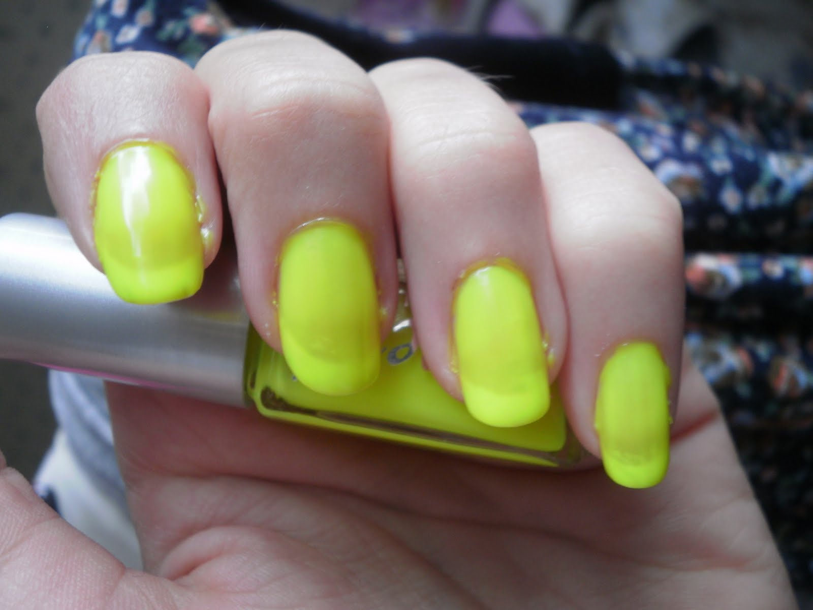Crazy About Nails: Neon Yellow Nails