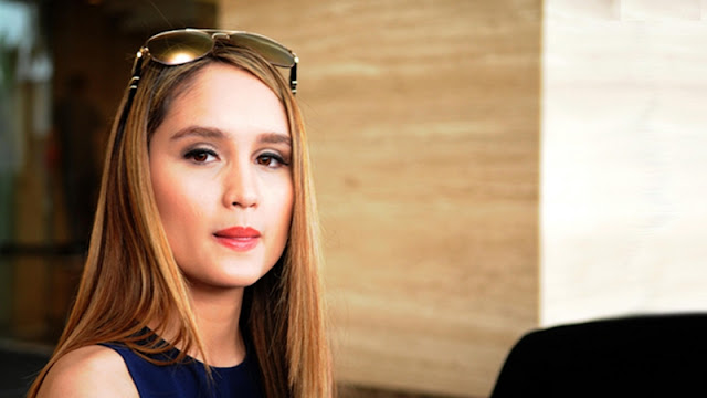 Cinta Laura Bintangi Film The Ninth Passenger