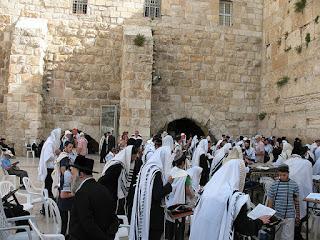 Orang Yahudi berdoa