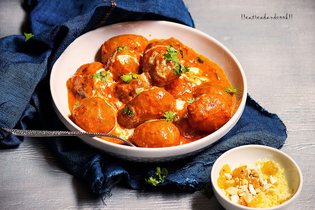 how to make Shahi Dum Aloo / Alur Shahi Korma recipe and preparation with step by step pictures