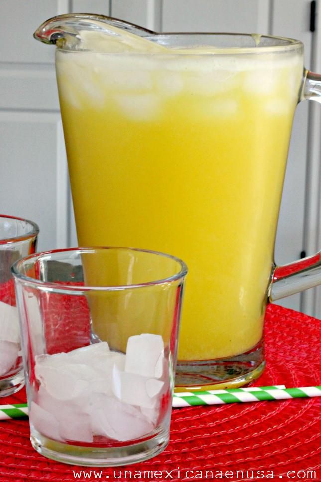Agua Fresca de Piña y Limón by www.unamexicanaenusa.com