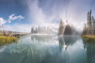 lago-de-aguas-en-calma-y-transparentes