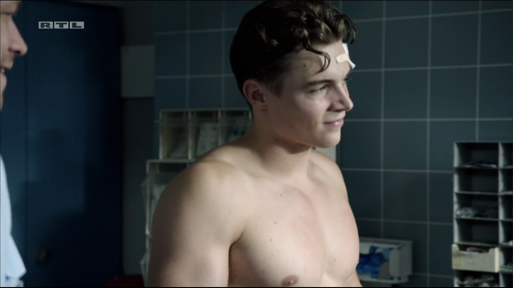 The Stars Come Out To Play: Gerrit Klein - Shirtless in