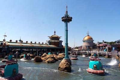 Riding Aquatopia in Tokyo Disneysea Japan
