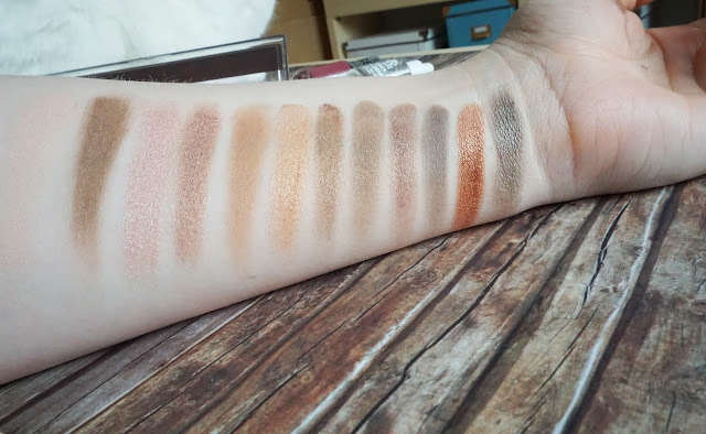 Rival de Loop Young XXLbronze Eyeshadow Swatch