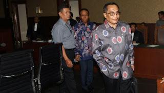 Sidang e-KTP, Irman Buka-bukaan Awal Bertemu Andi Narogong