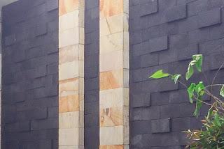 Kombinasi bati paras dan batu candi untuk taman minimalis