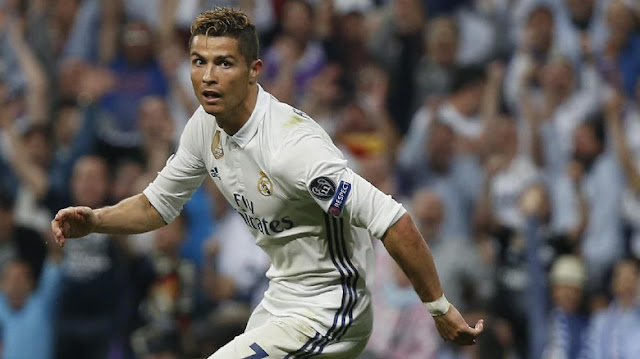 Bikin Hat-trick, Ronaldo Berpeluang Salip Messi