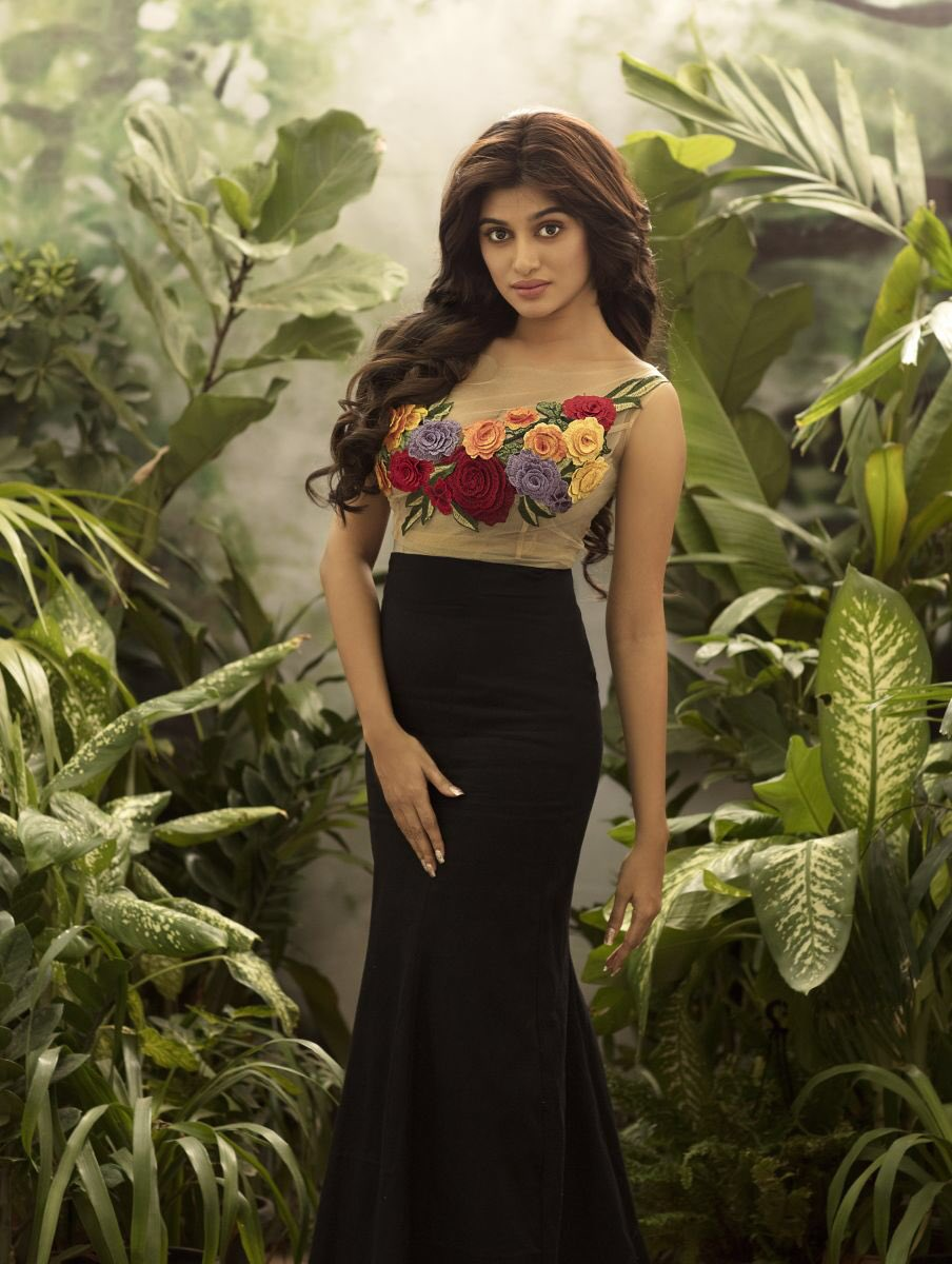 Oviya Latest Photoshoot Stills