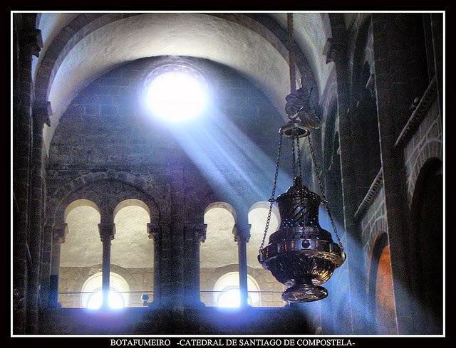 """Il grande """"Borafumeiro"""" della Cattedrale di Santiago de Compostella"""