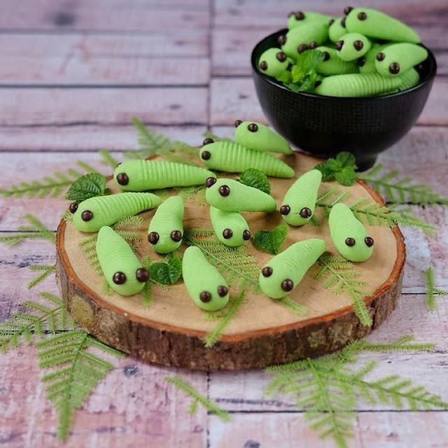 Step by Step Membuat Resep Kue Ulat Sagu Hijau (Caterpillars Cookies)