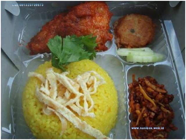 Nasi box nasi kuning di ciwidey