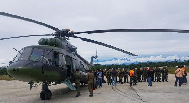 Tim Dokter dan Paramedis Satgaskes TNI Menuju Asmat
