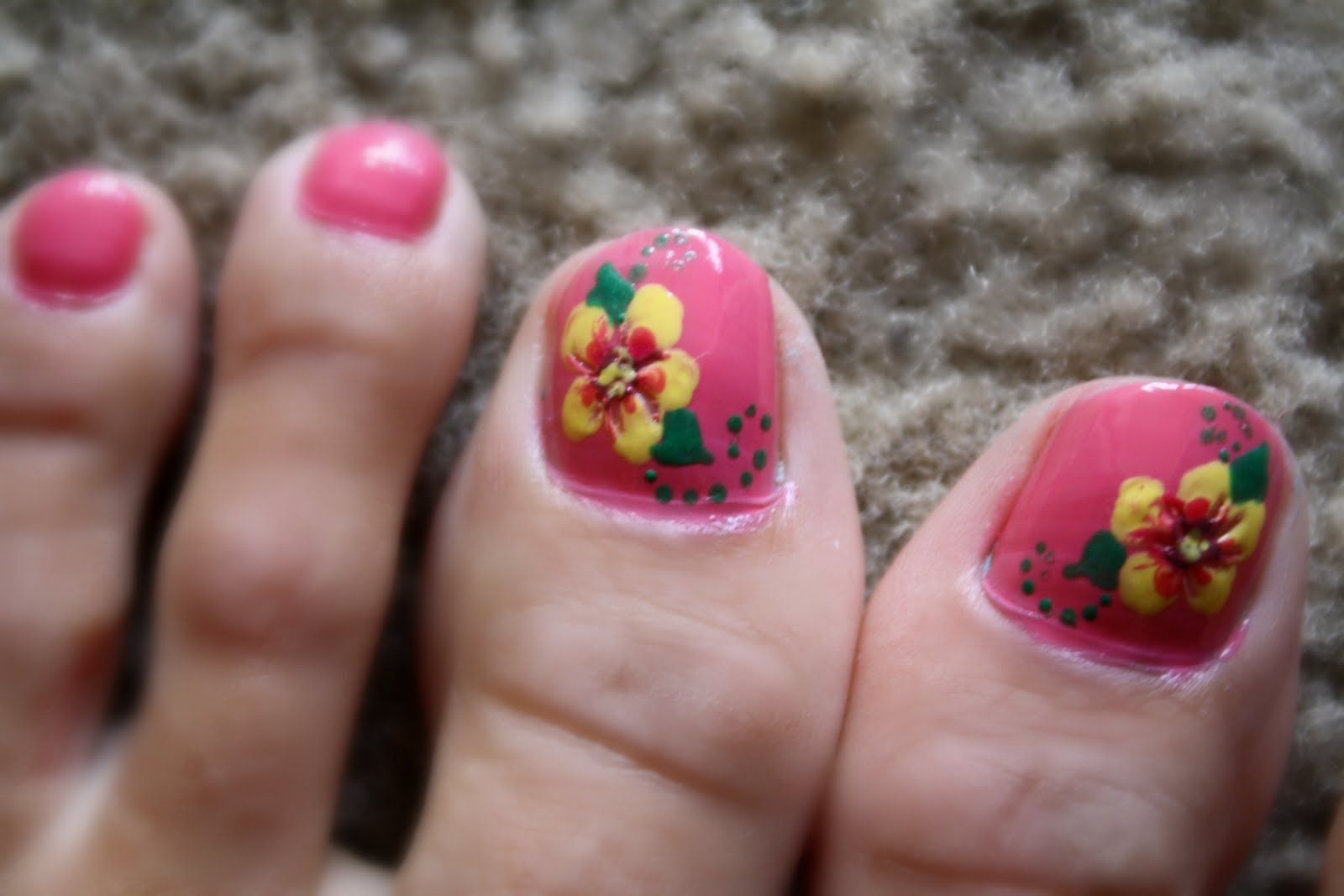 Tails to Tell: Two Tone Hibiscus Nails